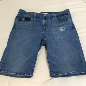 Levi's Strauss Distressed Bermuda Shorts Size 31